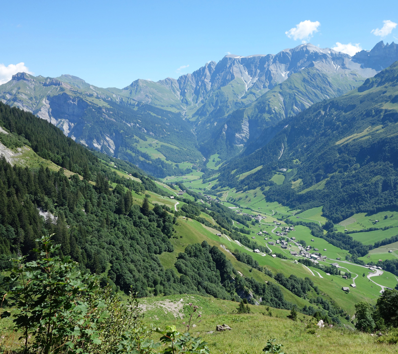 The Elmtal valley in the Canton of Glarus, Switzerland, contains linear settlement structures, agricultural areas, no extensive development of the surrounding mountains and many alpine open spaces. © Gero Willi 2013