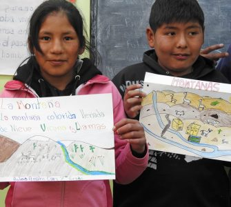 Seventh-graders in Santa Catalina school with their mountain drawings. Photo by Bibiana Vilá
